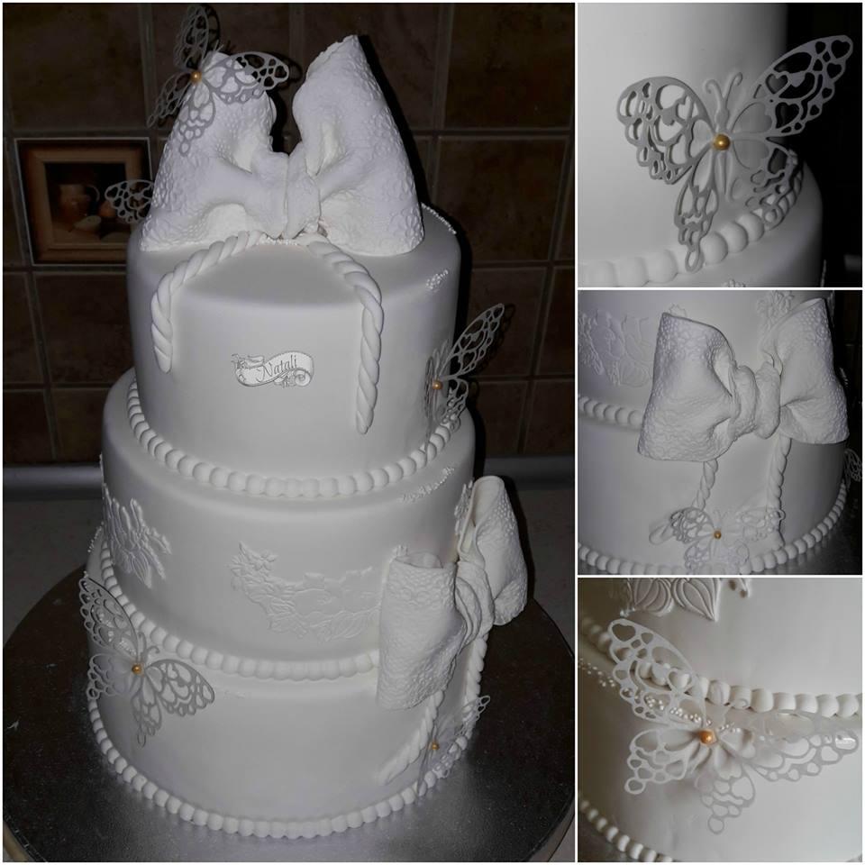 N. Januškienė. Tortas dekoruotas karpytas, valgomais drugeliais