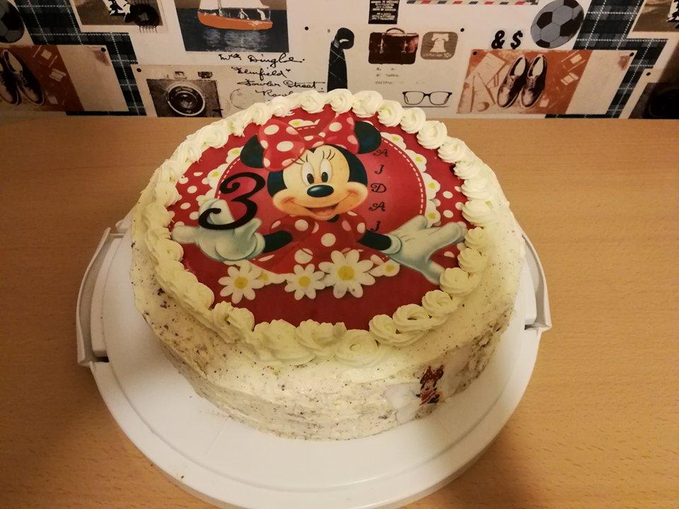 Tortas dekoruotas valgomu paveikslėliu